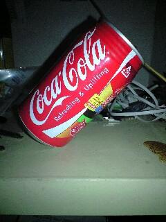 コーラ缶を斜めに立てる