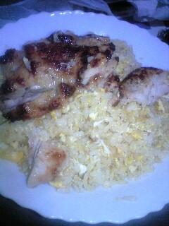 鶏肉とチャーハン