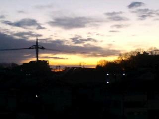 徹夜明けて見る朝日
