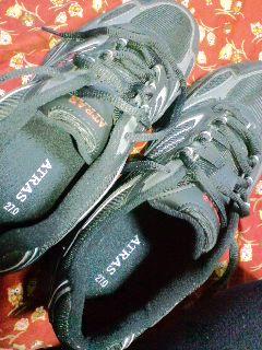 \990-の靴