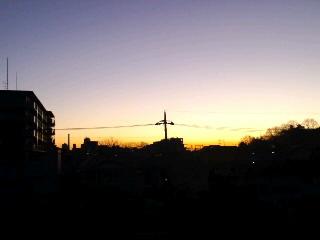 夜が朝に変わる瞬間に