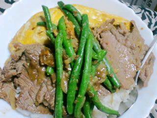 焼き肉、三色丼