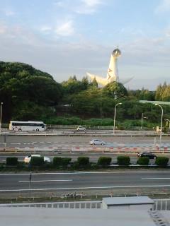 太陽の塔、大阪モノレール