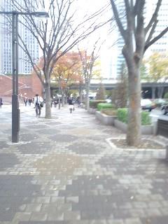 JR新宿駅に向かう