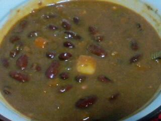 赤い豆とカレー